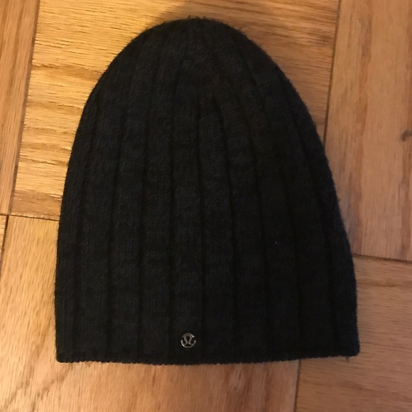 5edfe58192e lululemon athletica Accessories - Lululemon black winter hat